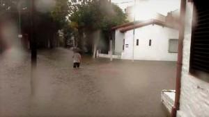 El sur de La Plata jaqueado por la lluvia y el desborde de arroyos