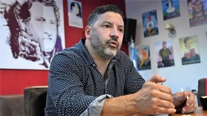 """Menéndez calificó de """"miserable"""" un desdoblamiento electoral en la Provincia"""