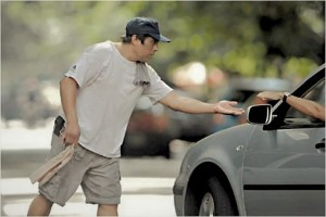 Buscan prohibir la actividad de «trapitos» y «limpiavidrios»