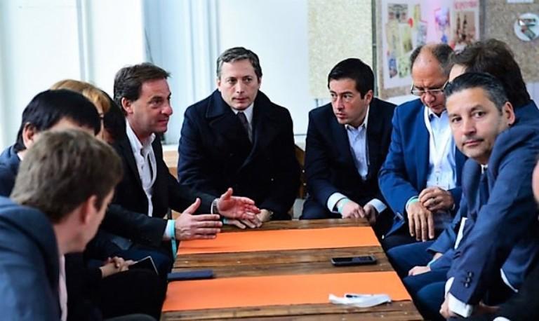 Fernando Gray, titular del PJ bonaerense (centro) junto a sus pares integrantes del Consejo partidario.