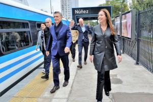 Macri: «Por más dudas que haya, es por acá»