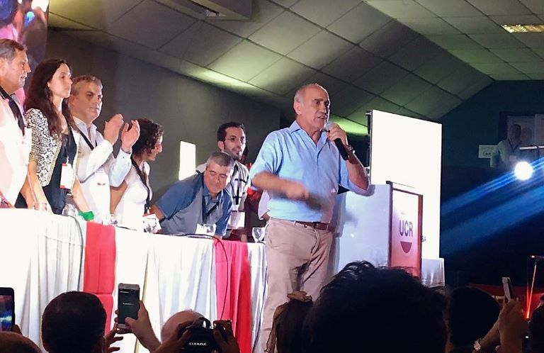 Salvador en la convencion radical bonaerense