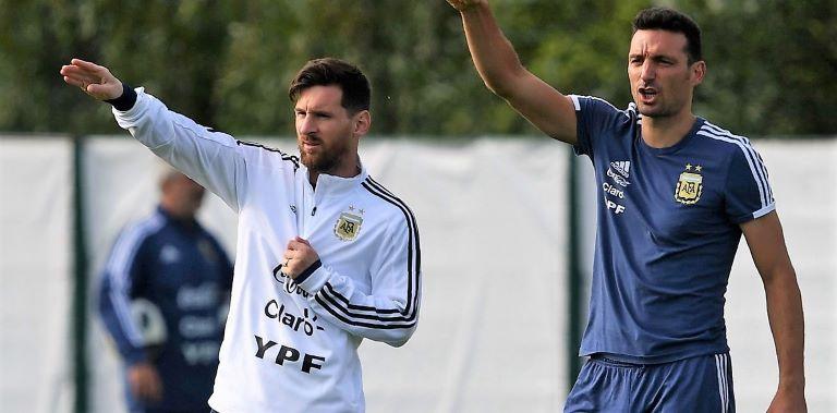 Messi y Scaloni
