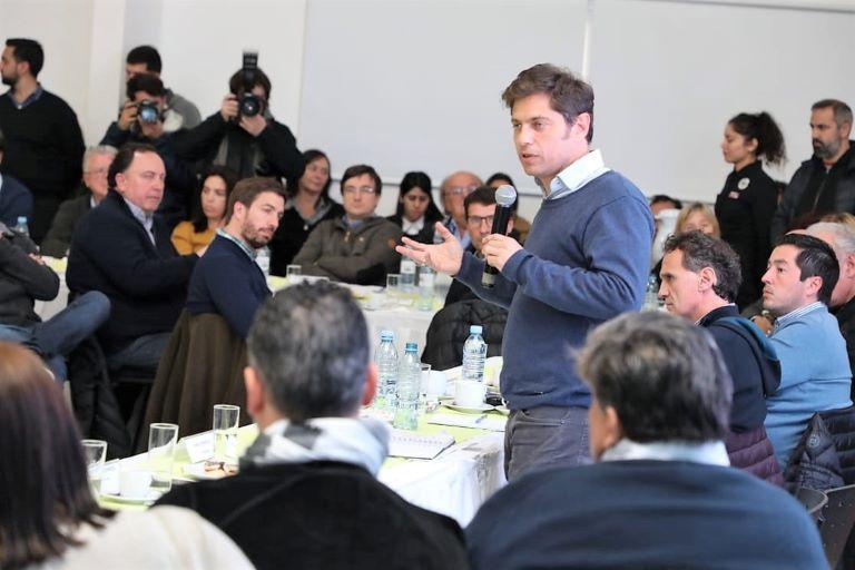 Kicillof con intendentes del PJ en Avellaneda
