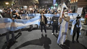 Marcha de antorchas por la independencia de la Justicia