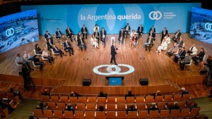 Sin la oposición, el gobierno lanzó el Consejo Económico y Social