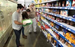 Las ventas en supermercados cayeron 5,8% interanual en febrero