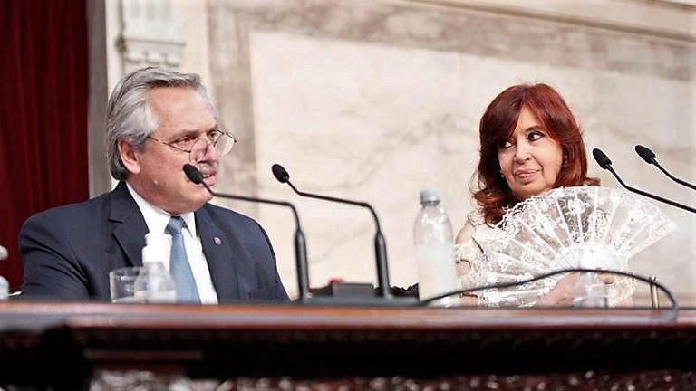 Alberto y Cristina en la asamblea legislativa 2021