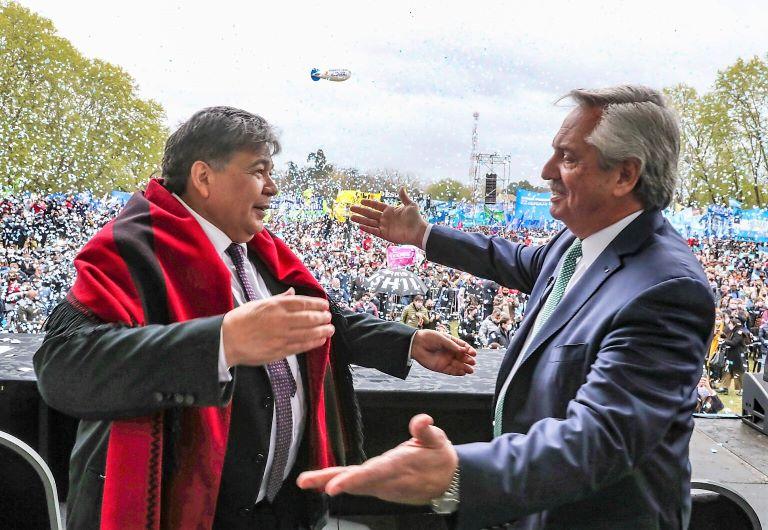 Mario Ishii y Alberto Fernández