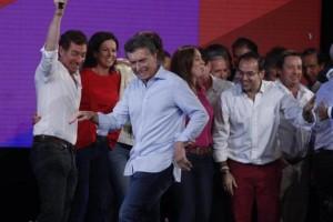 """Macri calificó a Scioli como un """"amigo"""" y le marcó la cancha a Massa"""